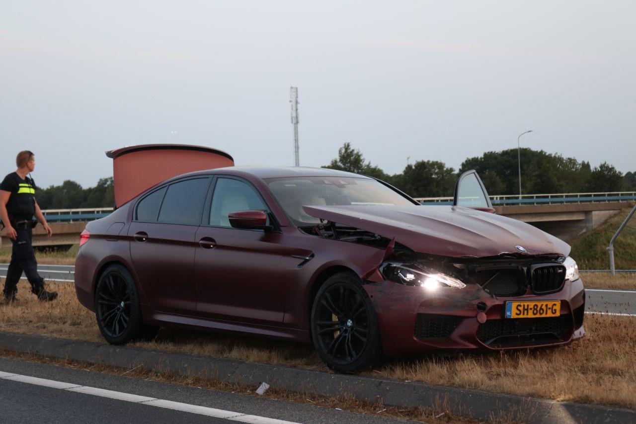 aanrijding snelweg BMW m5 first edition crash nederland