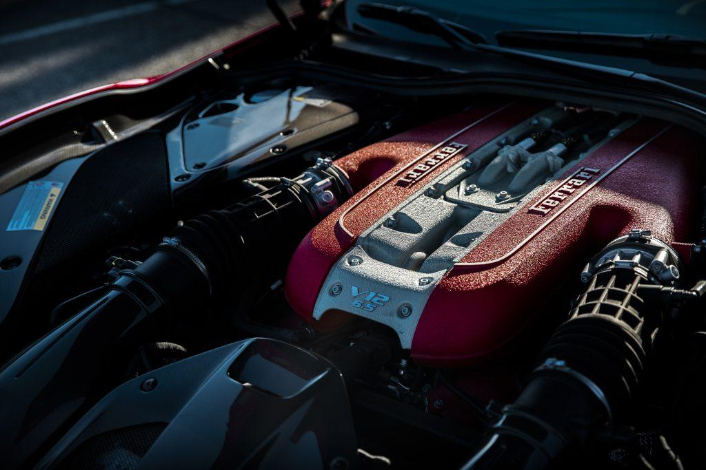 Ferrari 812 Superfast motor