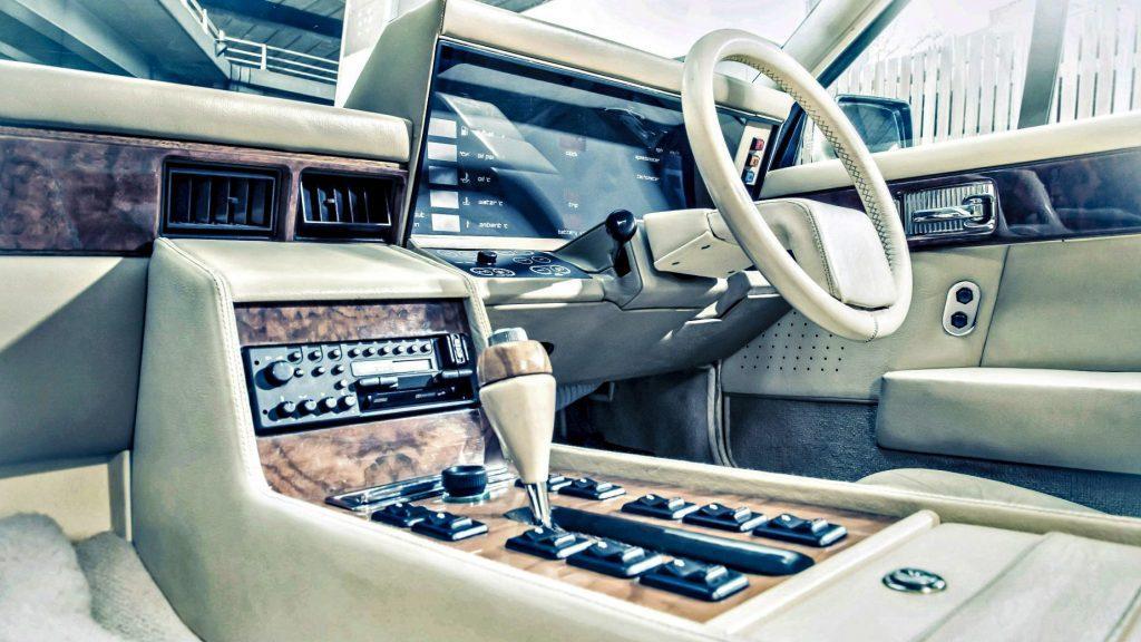 Aston Martin Lagonda interieur dashboard Top 9: Britse Autoblunders